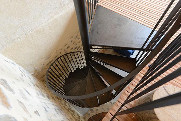 architecte 13, 05, 04, escalier métallique