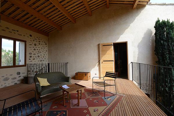 architecture, Sisteron, maison en pierre plancher bois