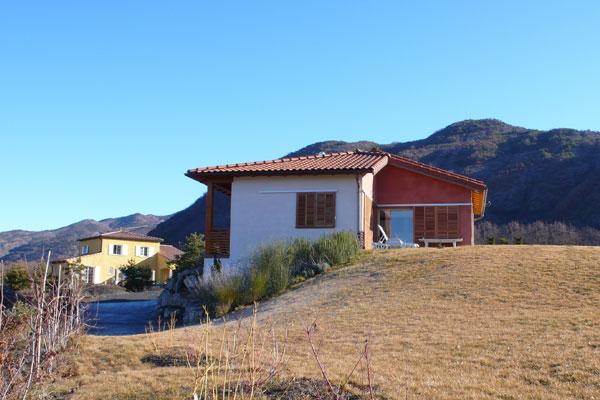 architecte Alpes de Haute Provence: réalisation  d'une villa en monomur en pierre de lave